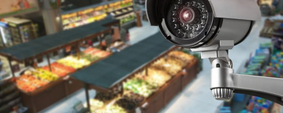 Videoüberwachung im Supermarkt gegen Diebstahl und Vandalismus