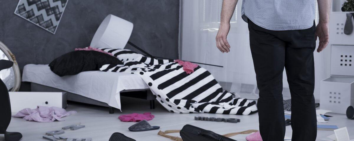 was ist nach einem einbruch zu tun schadensbegrenzung. Black Bedroom Furniture Sets. Home Design Ideas